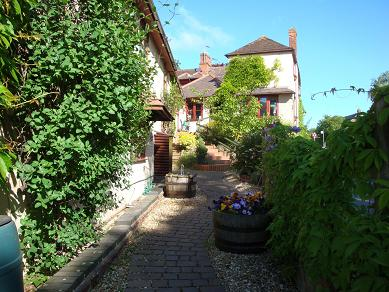 Bed and Breakfast in Worcestershire
